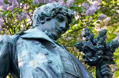 Máchova socha na Petříně