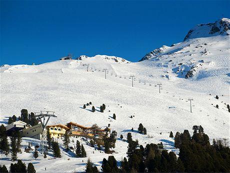 Pohled na lyžařský areál Hochzeiger