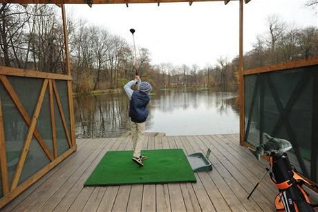 Tréninkový golfový areál Chateau St. Havel.