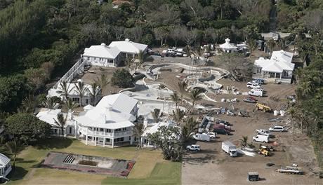 Sousedka Tigera Woodse na Jupiter Islandu Céline Dionová začala u své rezidence stavět privátní akvapark.