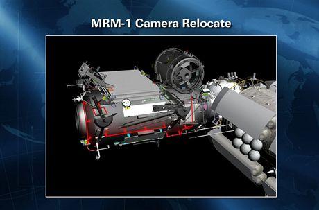 ISS - Televizní kamera, kterou kosmonauti přemísťovali z jednoho konce modulu Rassvet na druhý.