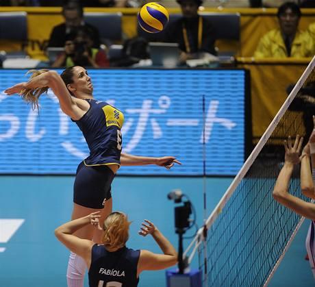Brazilská volejbalistka Thaisa Menezesová smečuje ve finále mistrovství světa.