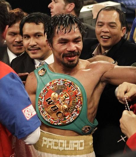 Manny Pacquiao s mistrovským pásem