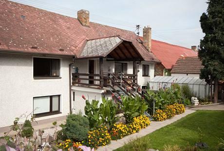 Dnes dvougenerační dům byl postavený před 200 lety