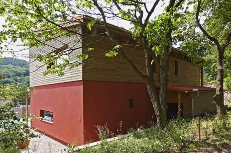Severní strana domu je kompaktní a uzavřená