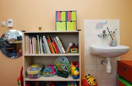 Umyvadlo pro děti. Kvůli mytí rukou už děti nemusí do koupelny