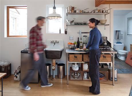 Michelle se s manželem odstěhovala do prostornějšího domu. Přesto obytnou garáž uchovává stále ve stejném stavu a chodí sem čerpat inspiraci