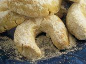 Vanilkové rohlíčky ořechové.