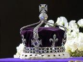 Diamant Koh-i-noor zasazený v britské královské koruně