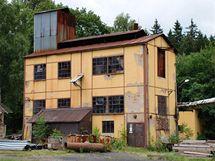 Sklárny v Tasicích na Ledečsku přilákají každoročně tisíce turistů, nyní je však chce jejich majitel prodat.
