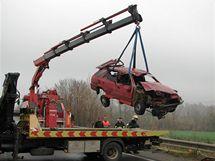 Na silnici R52 ve směru na Brno se ráno srazilo šest aut, při nehodě se zranilo 10 lidí