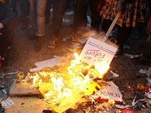 Britští studenti v Londýně protestovali proti zvýšení školného na univerzitách