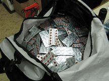 Celníky zadržený pašovaný náklad léku Sudafed