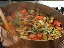 K zelenině přidejte snítku rozmarýnu, tymiánu může být i víc