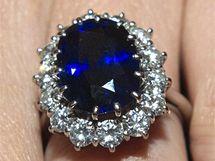 Zásnubní prsten po princezně Dianě