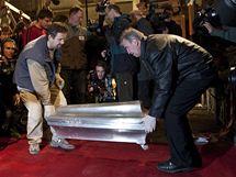 Mezinárodní vědecký tým otevřel hrobku Tycha Braha. Ostatky astronoma v cínové rakvi podrobí analýze