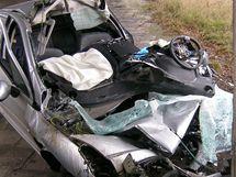 Nehoda na R10 mezi Prahou a Mladou Boleslaví, při které zemřel řidič. (13. 11. 2010)