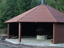 Dřevěné altány v Chřibech, ve kterých lze zapálit oheň, jsou na čtyřech místech oblasti.