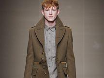 Trendy v pánské módě: vojenské kabáty
