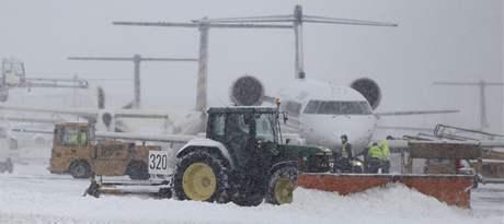 Sníh ochromil Německo. Na snímku mnichovské letiště (29. listopadu 2010)