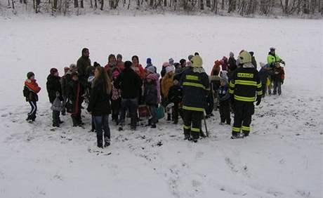 U Lažánek havarovala autobus převážející školáky.