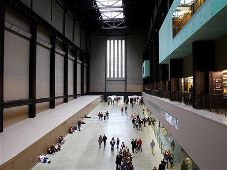 Obrovské prostory bývalé elektrárny už slouží pouze umění