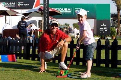 Organizátoři Dubai World Championship na diváky pamatují, ale davy se na turnaj nehrnou.