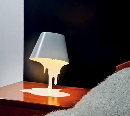 """Noční lampička LIQUID LAMP má nevšední """"tekoucí"""" design (POPOUT)"""