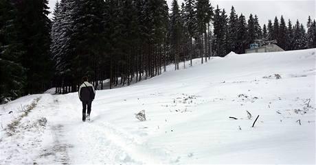 Přes sjezdovku na Bublavě budou jezdit i auta, lyžaři musí počkat