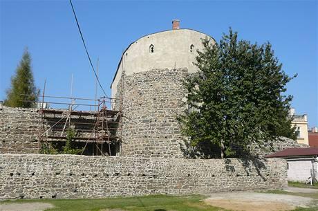 Nově opravené hradby městského opevnění Lipníku nad Bečvou.