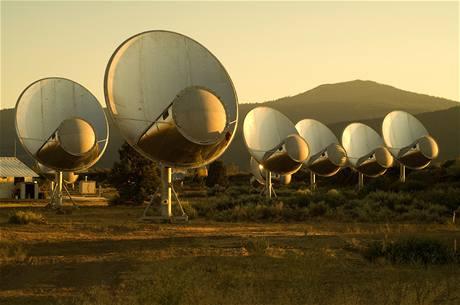 Antény v institutu SETI (Search of Extraterrestrial Intelligence)