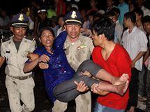 V tlačenici v Kambodži zemřelo zřejmě přes 180 lidí.