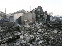 Škody napáchané při severokorejském ostřelování ostrova Jonpchjong (23. listopadu 2010)