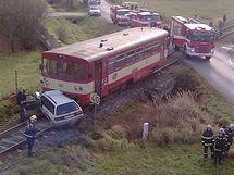Srážka motorového vlaku s autem na přejezdu v Netolicích
