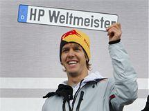 Sebastian Vettel při oslavách titulu mistra světa v rodném Heppenheimu.