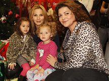 Ilona Csáková s Ivanou Gottovou a jejími dcerami