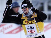 V AKCI. Švýcarský běžec na lyžích Dario Cologna v závodu Světového poháru v Kuusamu.