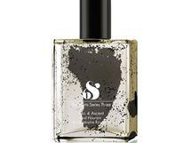 Parfém Ascent by Radi Hourami s vůní dětského pudru a mužského ejakulátu