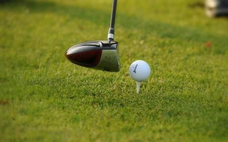 Topnutá golfová rána.