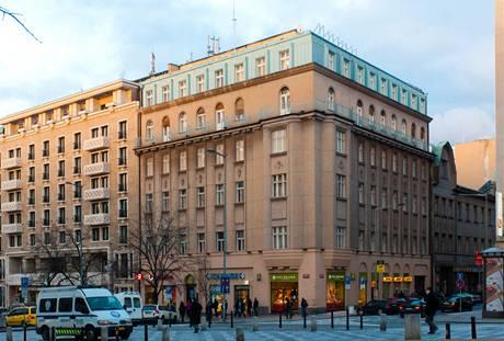 Dům na rohu Václavského náměstí a Opletalovy ulice pochází z roku 1880