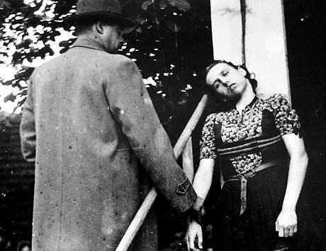 Herta Kašparová byla po válce odsouzena k trestu smrti.