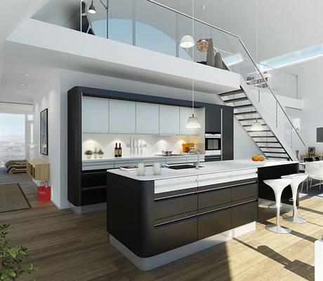Kuchyň s jídelnou je propojena s obývacím pokojem, díky tomu jsou všechny prostory prosvětleny východním i západním sluncem