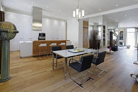 Velkorysá kuchyň je nejméně využívanou částí bytu, Ondřej vaří, jen když přijdou hosté
