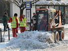 Úklid sněhu v centru Olomouce.