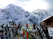 Sulden a Madritschhütte, v pozadí vrcholy Gran Zebru a Ortler