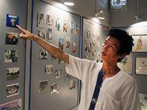 Muzeum do detailů vykresluje útrapy v barmských věznicích. Aung Myo Thein ukazuje na týdenní příděl jídla