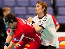 Štěpán Slaný bojuje o míček v utkání proti Estonsku.