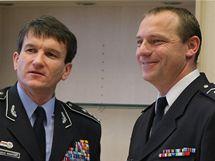 Policejní prezident Oldřich Martinů jmenoval ředitelem policie na Vysočině Miloše Trojánka (vpravo).
