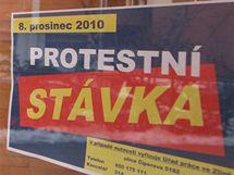 Na Úřadě práce ve Zlíně odbavují 8. prosince 2010 jen nové uchazeče o práci. Tamní pracovníci stávkují.