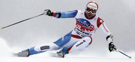 Silvan Zurbriggen při vítězném sjezdu Světového poháru ve Val Gardeně.